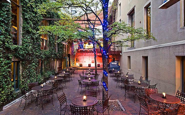 Austin_Courtyard