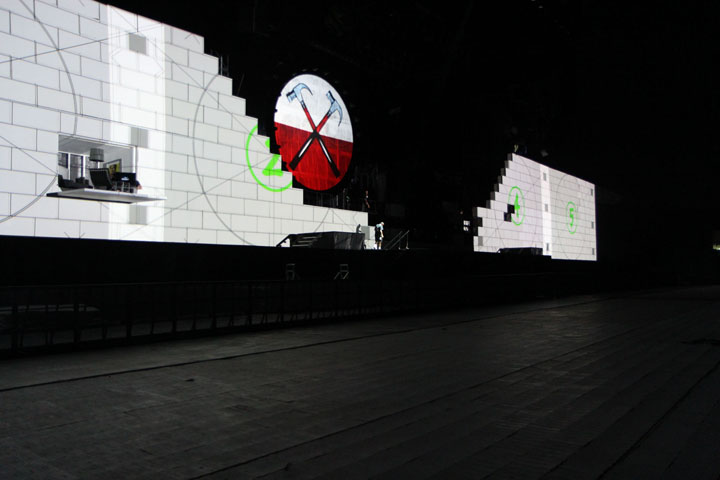 XL Video Roger Waters by Richard Turner 3