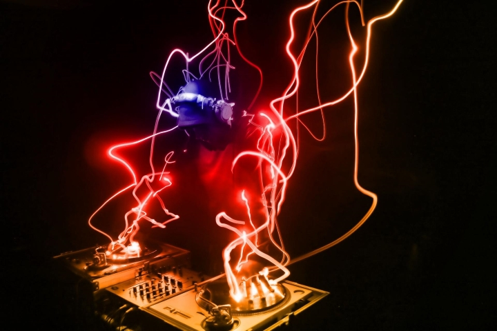 Music-DJ-Lighting-Art-work 720