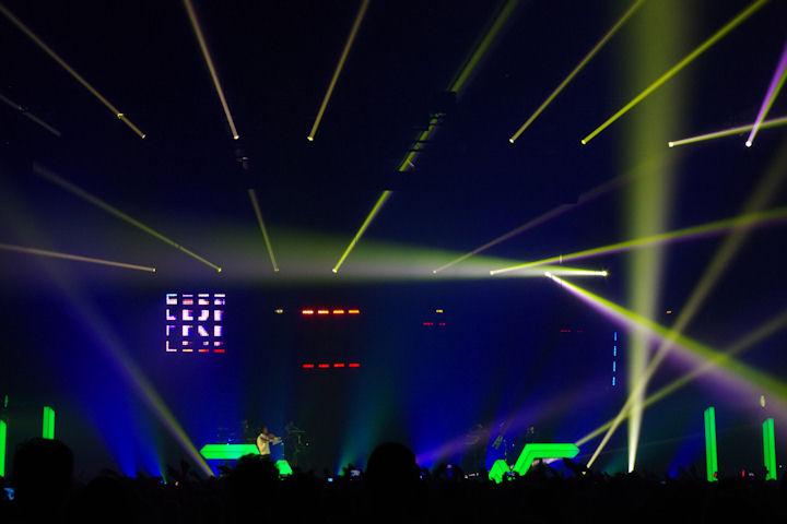 Stromae_light6