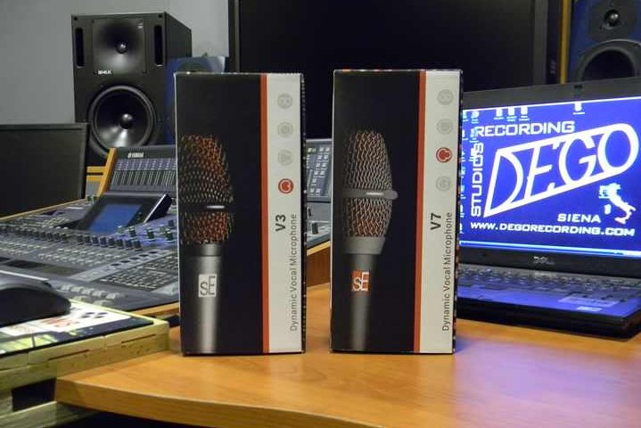 ZioGiorgio Focus On sE Electronics V3 and V7 Microphones