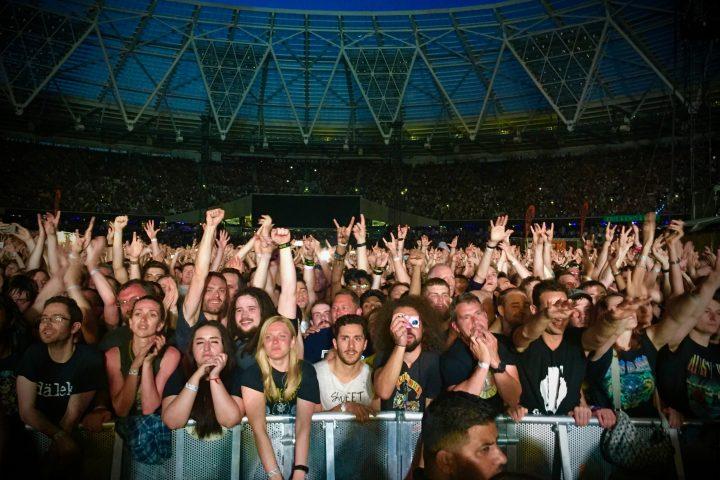 LighSoundJournal Guns N' Roses GLP German Light Products London 2017