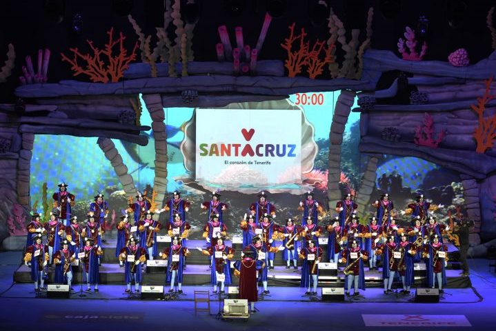 Robe Carnaval de Santa Cruz de Tenerife