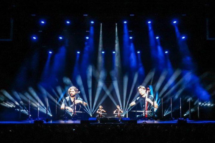 Robe 2CELLOS US Tour