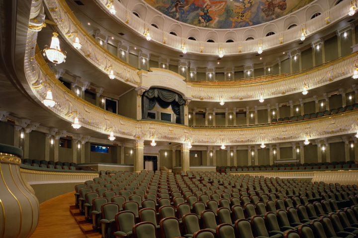 SolaFrame Theatre Bolshoi High End Systems