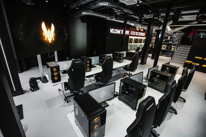 ArKaos Team Vitality HQ Paris VPLAY_2